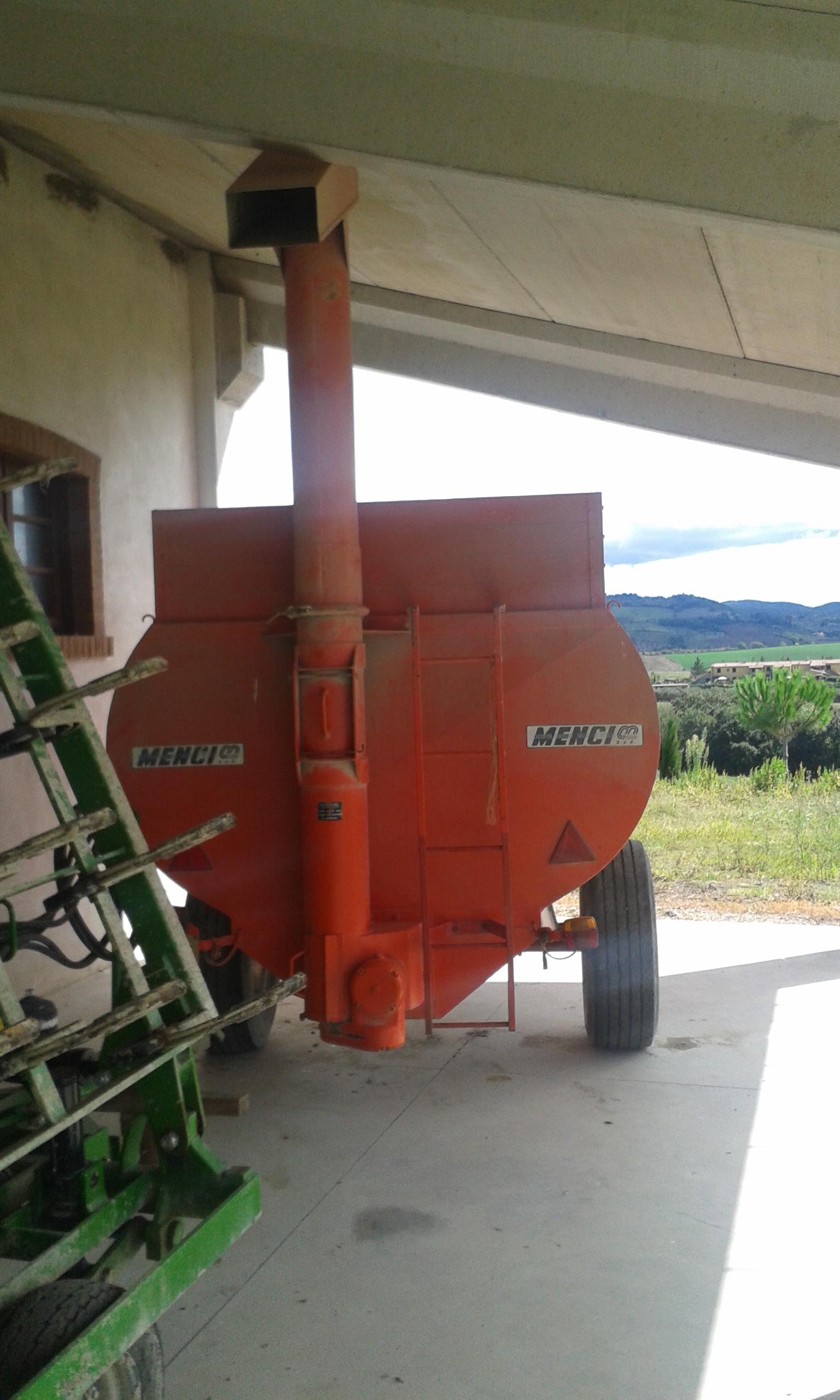Rimorchio per cereali usato dispositivo arresto motori for Rimorchi agricoli usati piemonte